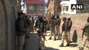जम्मू-कश्मीर: श्रीनगर के नौगाम में बीजेपी नेता अनवर खान के घर पर आतंकी हमला, सुरक्षाकर्मी शहीद