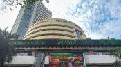 अब शेयर बाजार पर टूटा कोरोना का कहर, आधे घंटे में ही निवेशकों का 5 लाख करोड़ रुपये डूबा