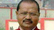 बिहारः जदयू विधायक गोपाल मंडल ने कंटेनमेंट जोन में बांस-बल्ली तोड़कर काफिला बढ़ाया