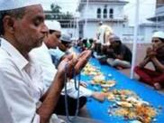 2300 मुसलमानों के साथ 150 हिंदू भी रख रहे हैं 'रोजा'
