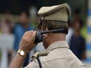 पुलिसवाले ने दी सांसद-विधायकों को धमकी, 'होश में रहो वर्ना जुबान काट लूंगा'