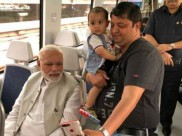 Smiles On Metro: आम लोगों के साथ PM मोदी ने किया मेट्रो में सफर, सेल्फी के लिए क्रेजी दिखे लोग