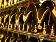 Good News: शादी के सीजन में सस्ता हुआ सोना-चांदी, जानिए क्या है आज की कीमत
