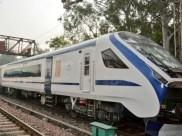आज पटरियों पर होगा बिना इंजन वाली 'ट्रेन 18' का पहला ट्रायल, 150 किमी रफ्तार से चलेगी