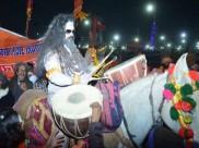 LIVE: प्रयागराज में शाही स्नान के लिए पहुंचे कंप्यूटर बाबा