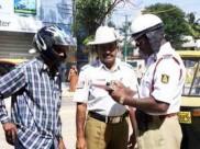 महिला पुलिसकर्मी ने पति को सड़क पर बिना हेलमेट पकड़ा, फिर क्या हुआ...