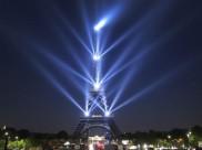 पेरिस: एफिल टॉवर के टॉप पर चढ़ा सनकी युवक, टॉवर कराना पड़ा खाली
