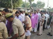 पुलिस को चकमा देकर भाजपा के चार एजेंट मतगणना केंद्र में मोबाइल लेकर घुसे