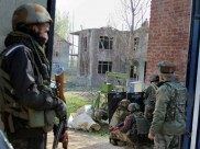 जम्मू कश्मीर: शोपियां में जारी एनकाउंटर, जैश के 4 आतंकियों को सुरक्षाबलों ने घेरा
