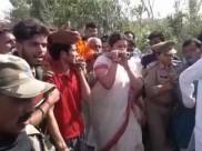 भाजपा नेता सुरेंद्र सिंह की अंतिम यात्रा में पहुंचीं स्मृति ईरानी, शव यात्रा को दिया कंधा