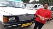 कश्मीरी कैब ड्राइवर ने पर्यटक को लौटाए 10 लाख रु, नहीं लिया कोई इनाम