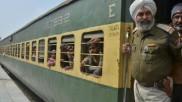 पाकिस्तान में फंसे गुजरात के 80 लोग, वापस लाने के लिए परिवार लगा रहे मोदी सरकार से गुहार