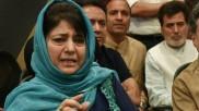 जिस दिन पर्यटकों के लिए खुला कश्मीर, उसी दिन महबूबा मुफ्ती ने बेटी इल्तिजा से कराया ये ट्वीट