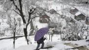 देश के पहाड़ी हिस्सों में भारी बर्फबारी, देखिए 10 खूबसूरत तस्वीरें