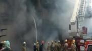 दिल्ली के लाजपत नगर में कपड़े के शोरूम में भीषण आग, दमकल की 30 गाड़ियां मौके पर