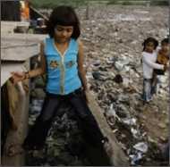 स्लमडॉग के बच्चों को तोहफ़े में मिलेंगे घर