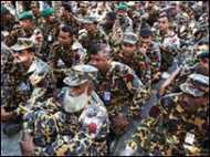 बांग्लादेश में विद्रोहियों की तलाश
