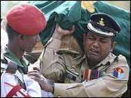 बांग्लादेश ने मरनेवालों की संख्या घटाई