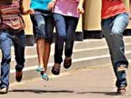 कॉलेज में  जीन्स नहीं पहन सकतीं लड़कियां