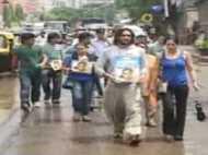 नीरज हत्याकांड: इंसाफ की गुहार में मुंबई की सड़कों पर कैंडिल मार्च