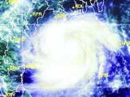 ओडिशा और आंध्र से टकराने को तैयार महातूफान 'पिलिन', तीनों सेनाएं अलर्ट