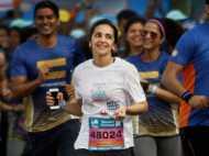 मुंबई मैराथन में सितारों से लेकर आम आदमी तक