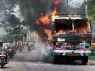 कर्नाटक में धू धू कर जल उठी बस, 6 की मौत