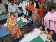 बिहार: मिड डे मील में निकला सांप, जहरीला खाने से 54 बच्चे बीमार