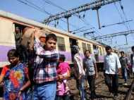 बिहार: मुज़फ्फरपुर के पास खुले फाटक से गुज़री ट्रेन, बड़ा हादसा टला