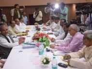 मीडिया में रुके राजनीतिक दलों, कॉरपोरेट घरानों का प्रवेश: TRAI
