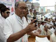 63 साल के मोदी युवाओं को खींचने में रहें कामयाब, राहुल हो गए फेल : दिग्विजय