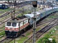 airplane-train: हवाई जहाज की तरह ट्रेन में होंगे इमरजेंसी गेट