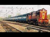 रेलवे में करते हैं काम तो 2 अक्टूबर को नहीं मिलेगी छुट्टी, चलेगी झाड़ू