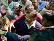 झुग्गीवासियों का प्रदर्शन तो सरकार ने कहा अब नहीं होगी तोड़-फोड़ की कार्रवाई