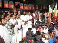 केरल विधानसभा में हंगामा, तोड़फोड़ के बीच बजट पेश