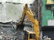 गाजियाबाद के लोनी में गिरी मकान की छत, परिवार के 5 लोगों की मौत