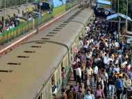 1 जून से एसी कोच में सफर करना होगा महंगा, रेलवे ने की किराये में  0.5 फीसदी की वृद्धि