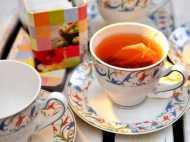 चाय के प्यालों से जानिए किसी के इंसान के लबों और दिल की बातें