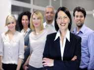 खुद पर न इतराए मर्द, क्योंकि कमाई में आगे निकल रही हैं महिलाएं