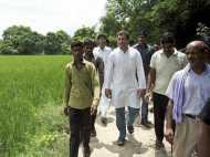 अमेठी में राहुल के दौरे पर भिड़े कांग्रेस समर्थक, चले ईंट-पत्थर