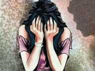 घर से भाग नहीं जाये इसलिए नाबालिग लड़की को आलमारी में बंद रखते थे