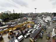 चेन्नई में रात से नहीं हुई बारिश लेकिन खतरा बरकरार