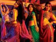 सुप्रीम कोर्ट ने कहा: सड़क पर भीख मांगने से अच्छा है महिलाएं डांस बार में डांस करें