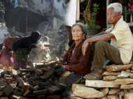 नेपाल भूंकप की पहली बरसी: तस्वीरों में देखें तब और अब