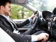 सावधान! अब आपका ड्राइविंग लाइसेंस ही करेगा आपकी जासूसी, तेज गति से चले तो होगा चालान