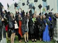 एक नजर भारत में शिक्षा के बीई-कारखानों पर