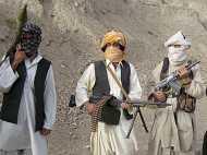 राष्ट्रपति ओबामा थपथपा रहे थे अपनी पीठ और तालिबान चुन रहा था नया नेता