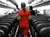 एयर होस्टेस को जबरन बाहों में भरकर लिया सेल्फी, टॉयलेट में की स्मोकिंग, गिरफ्तार