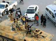 लगातार हमलों के बाद भी ISIS ने कमा लिए 2.4 बिलियन डॉलर