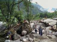 बाढ़ के कारण उत्तराखंड बेहाल, अब तक कई मौत, कई बेघर